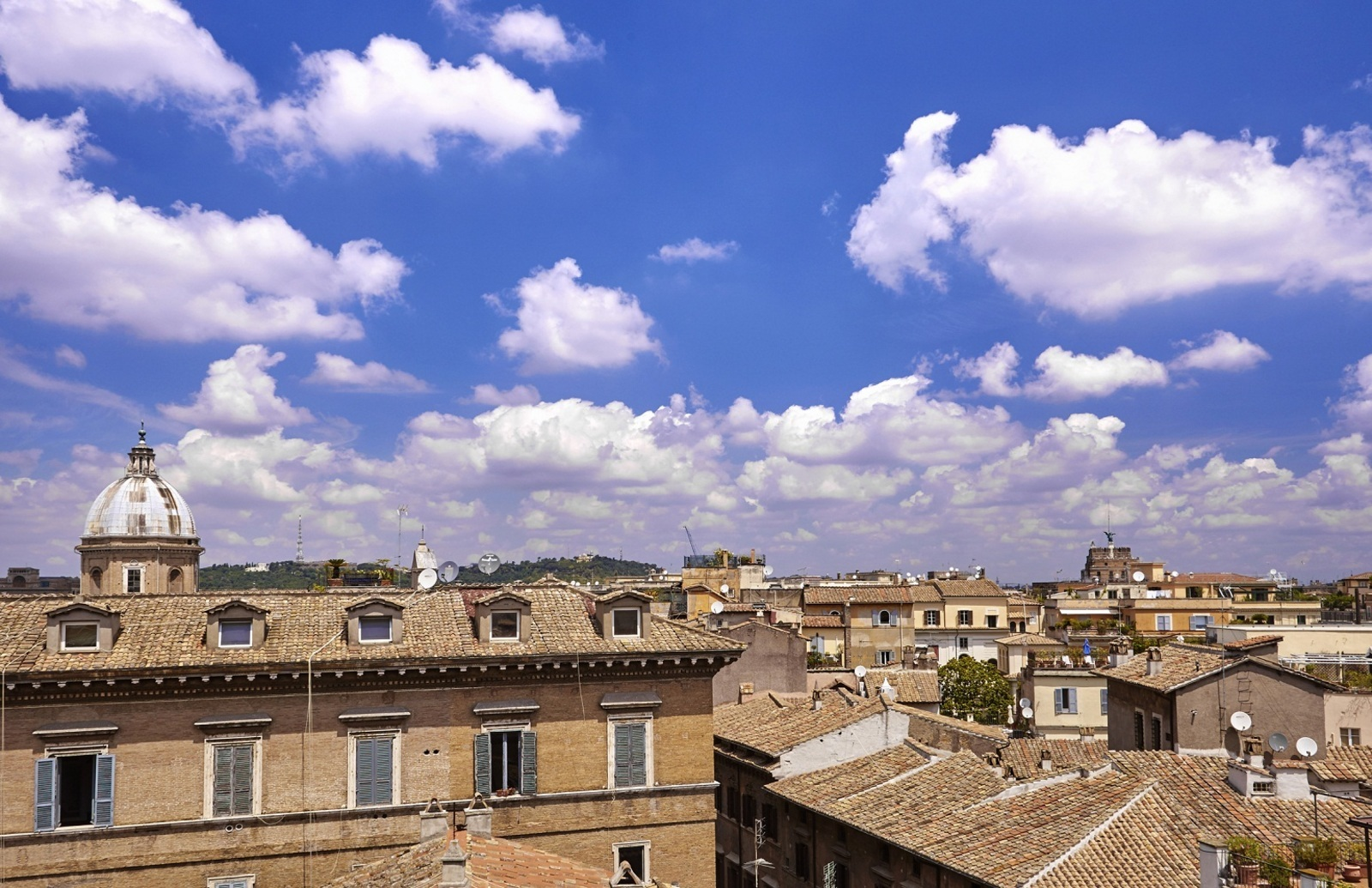 1436168617_Roofs_of_Rome.jpg