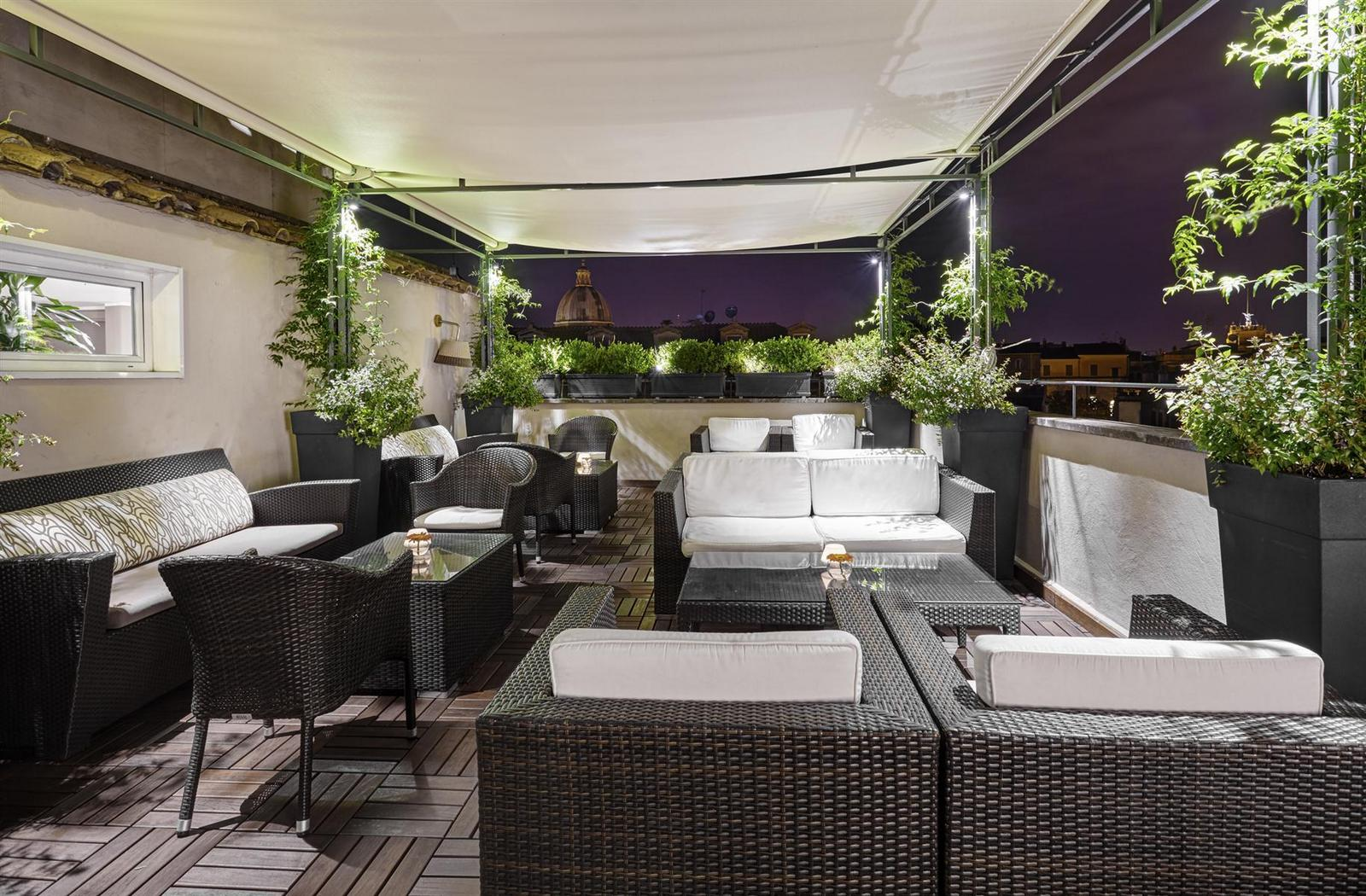 1436177468_Roof_top_Bar_Night.jpg